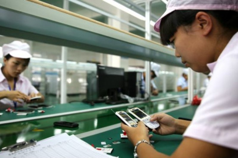 PMI數據顯示中國製造業仍在進一步減速。台灣呢?受國際景氣與第一大貿易夥伴國經濟活動不佳之兩方夾擊,台灣可在此時重新思考整體之發展方向。(BBC中文網)