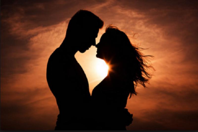 性愛從美中得到快樂,性事是從快樂中得到快樂。