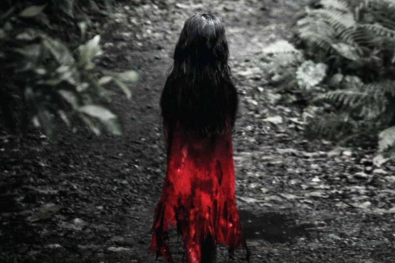 紅衣小女孩的改編電影上映多時,但臺灣其實還有很多這樣的素材...(圖/紅衣小女孩@facebook)