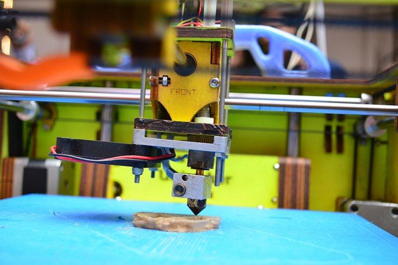 3D列印技術漸趨成熟,滿足現代少量多樣與客製化產品的生產模式。經濟部工業局擬籌組應用研發聯盟,盼帶動傳統產業,朝向工業化製程發展。(資料照,取自Subhashish Panigrahi@維基百科/CC-BY-SA-3.0)