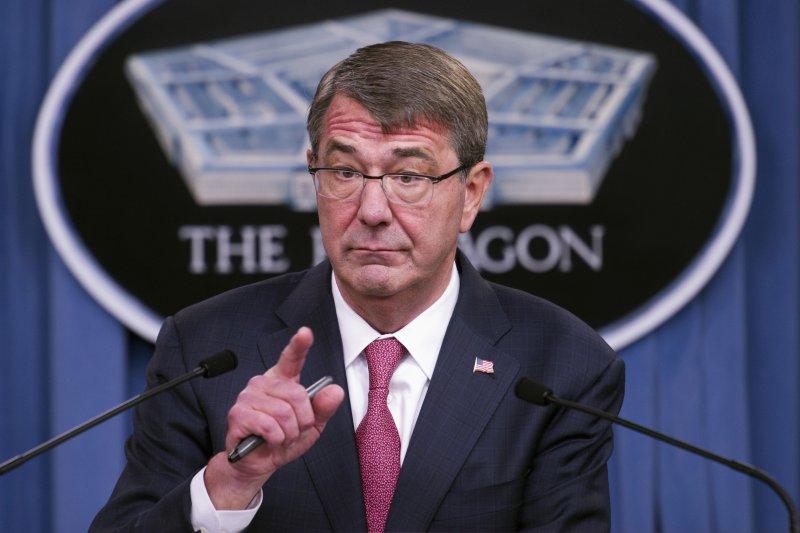 美國國防部長卡特(Ash Carter)3日宣布,自明年起開放美軍女性官兵參與所有戰鬥任務(美聯社)