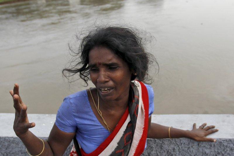 印度南部泰米爾納德邦(Tamil Nadu)遭遇百年來最強降雨,引發洪災(美聯社)