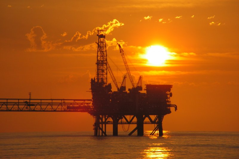 以沙烏地阿拉伯為首的OPEC+對原油價格的影響力不容小覷。(資料照,美聯社)