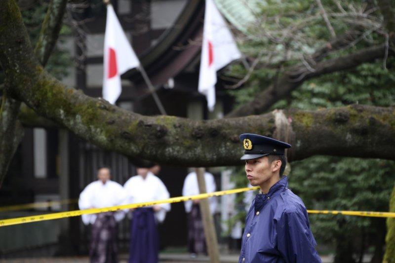 日本靖國神社11月23日傳出爆炸,日本警方於9日逮捕一名南韓籍嫌犯。(美聯社)