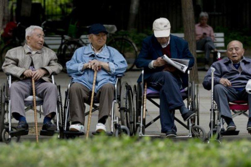 世界銀行說,亞太地區一向以年輕和充滿活力而自豪,但現在人口老齡化的速度已經超過世界任何其他地方。(BBC中文網)