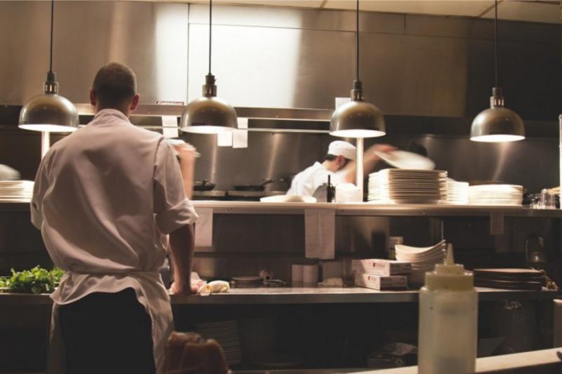 想當大廚?先從洗碗開始,廚房的整潔反映了廚師的工作態度!
