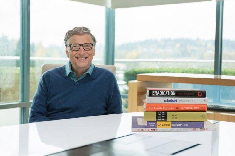 微軟創辦人之一比爾蓋茲在他的部落格推薦了新書,來看看有哪幾本是今年必讀的好書吧!(圖/Bill Gates@facebook)