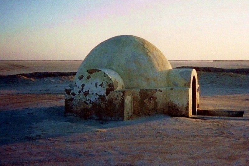La Grande Dune outside Nefta Tunisia Luke's igloo  星際大戰拍攝地點