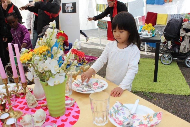 瑞典幼兒教育之餐桌佈置,從小建入生活美學(圖/作者提供)
