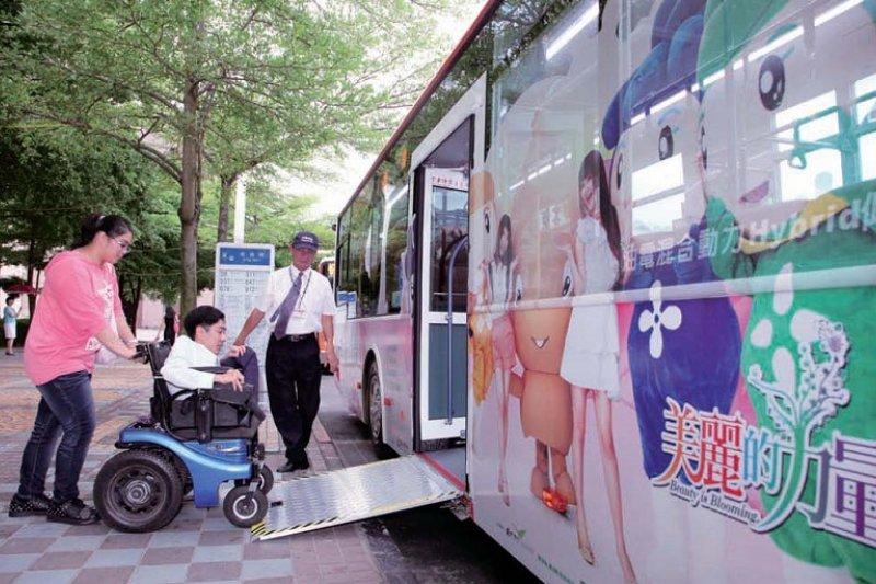 低底盤公車。(王能佑攝/來源:閱讀台北主題網)