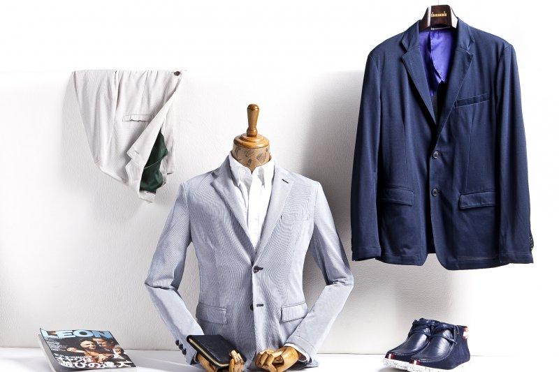 為自己挑選一套得宜的西裝,是男人展現專業形象的最好方式。(圖/pixabay)