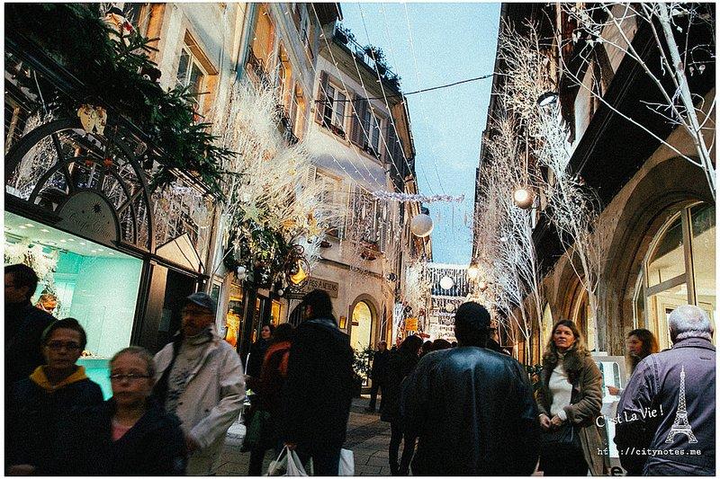以法國來說,史特拉斯堡Strasbourg是境內最熱鬧的聖誕市集當之無愧!