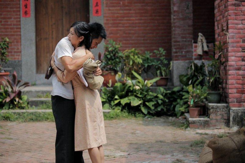 他們在苦難的時代相戀,而《燦爛時光》演出那份堅強與勇氣(圖/公視提供)