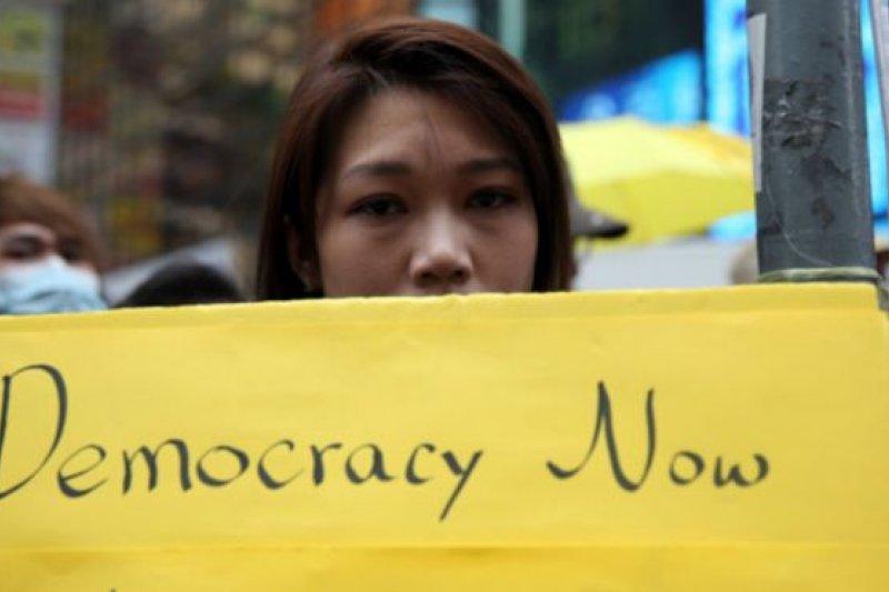 多名香港藝人因為被指支持佔中受到影響,填詞人林夕是最近「被舉報」的一位。(BBC中文網)