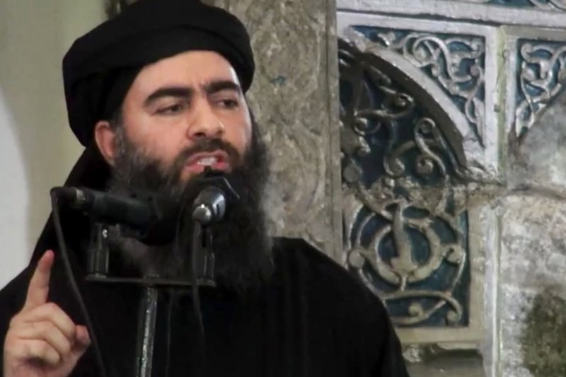 伊斯蘭國最高領導人巴格達迪睽違近1年首度「現聲」,向支持者信心喊話,圖為巴格達迪2014年宣布伊斯蘭國成立的照片。(美聯社)