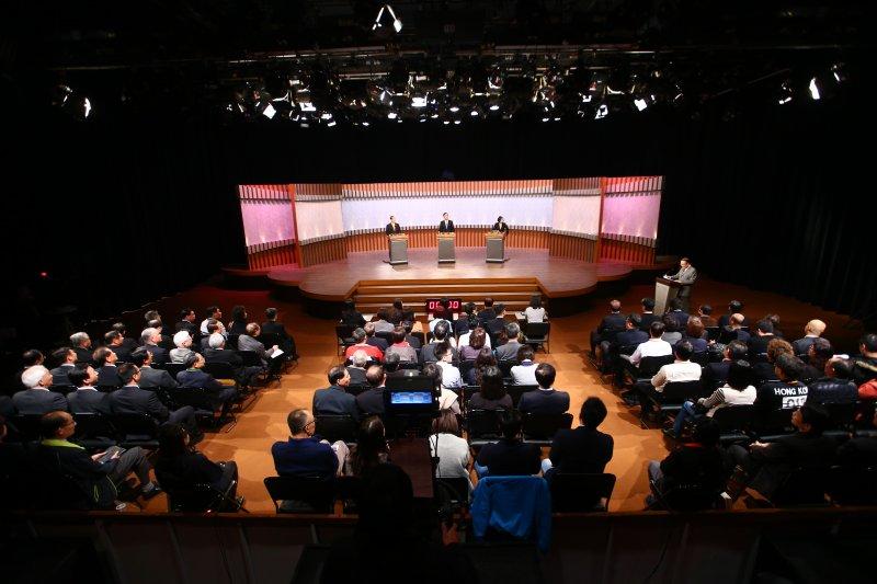 二0一六總統大選首場電視辯論於二十七日舉行。