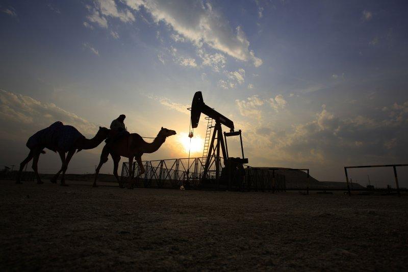 沙烏地阿拉伯因油價走低,國庫收入大幅減少,2016年政府預算赤字已達980萬美元。(美聯社)