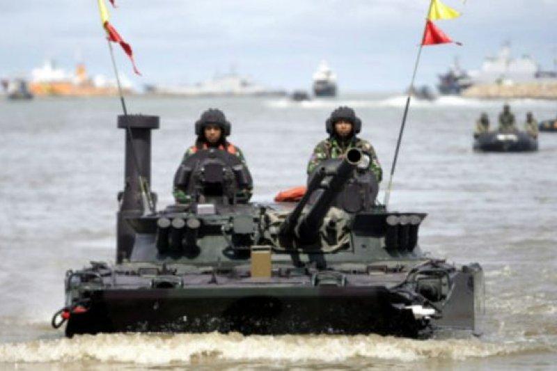 印尼軍隊本月舉行大規模海陸空聯合軍演。(BBC中文網)