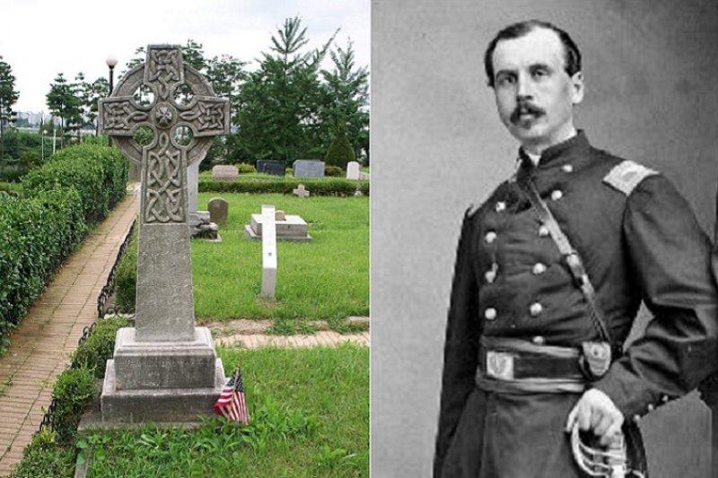 Charles W. Le Gendre(李仙得/李讓禮)在羅妹事件發生後曾來台交涉。左為李仙得位在南韓首爾的墓。(維基百科)