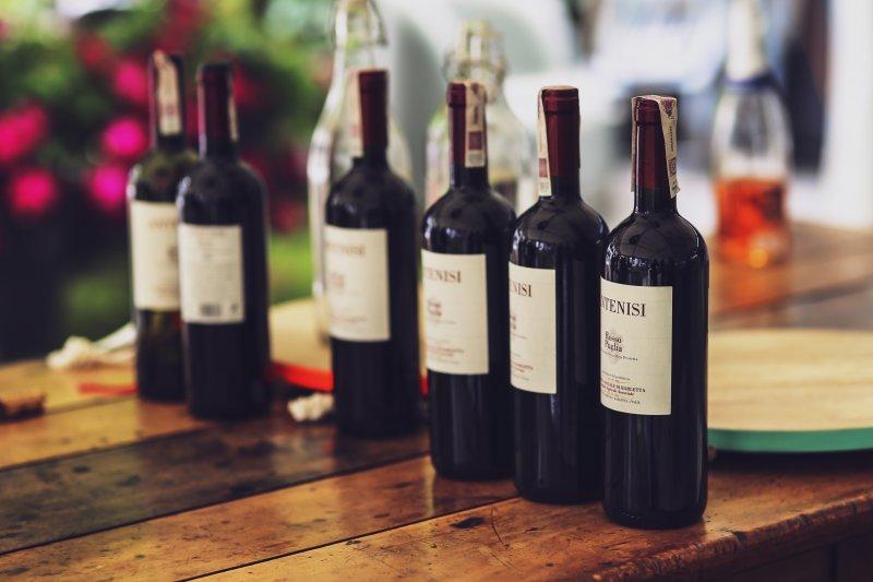 酒,紅酒。