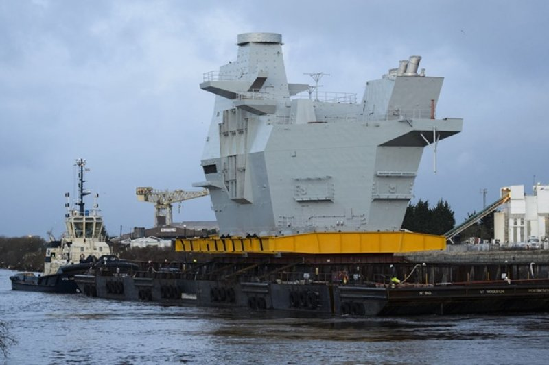 英國威爾斯親王號航空母艦的第二艦島已經建造完成。(海軍科技網站)