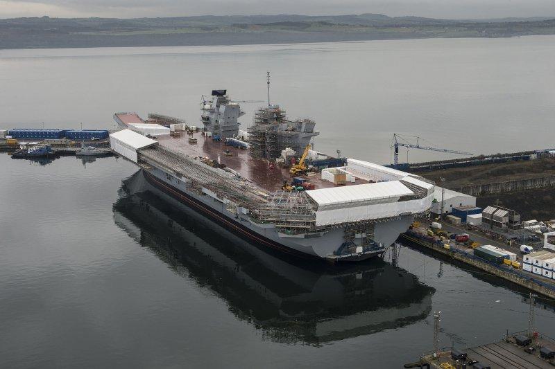 正在興建中的英國威爾斯親王號航空母艦。(維基百科)