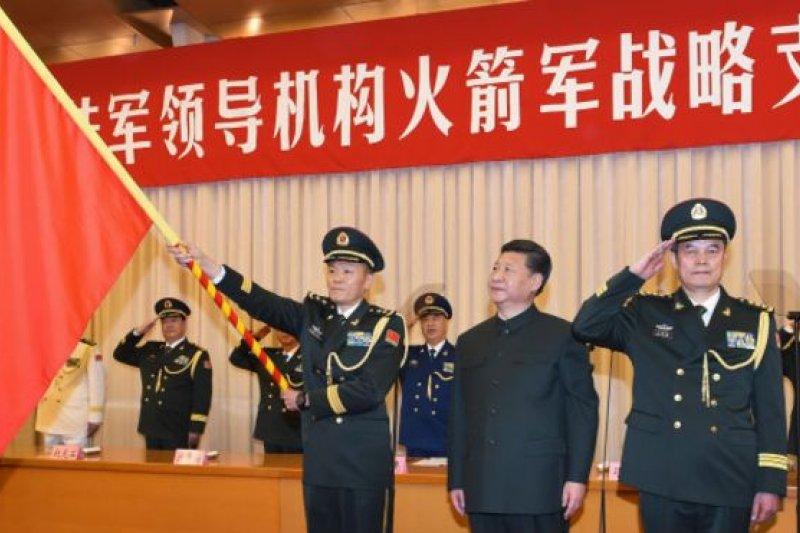 習近平主持火箭軍成立。(BBC中文網)
