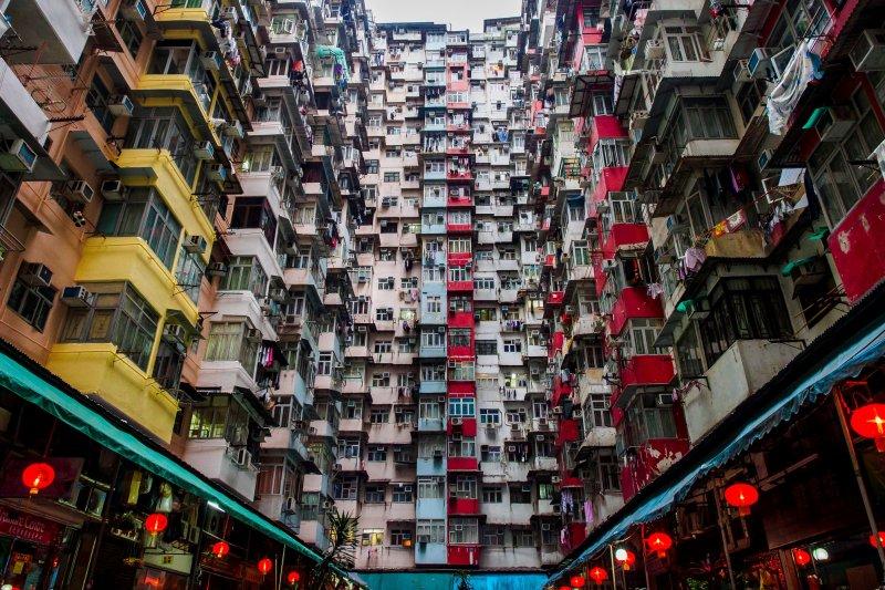 「在窒息的速度中,香港只剩下一群遺民,在車毀人亡前,爭取遙遠不可及的理想...」(圖/JonathanLeung@flickr)
