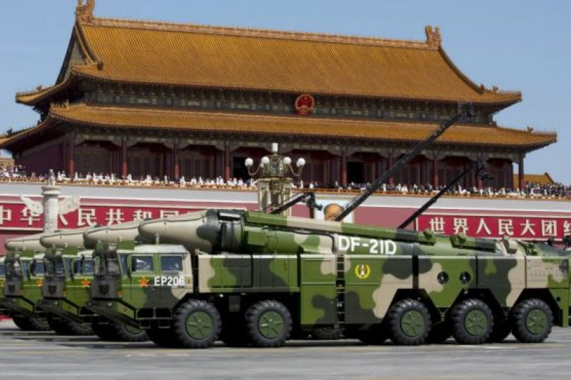 中國官媒說,解放軍的改革將包括管理結構調整,有助於中國建設一支能夠同美軍匹敵,令其相形見絀的強大軍隊。(BBC中文網)