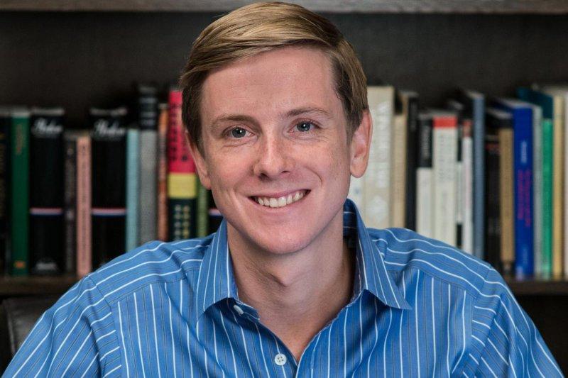 臉書前共同創辦人休斯宣布轉讓新共和雜誌,在投入2千萬美元後認賠殺出。(取自:Chris Hughes臉書)