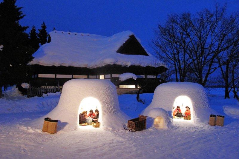 在橫手雪屋感受不一樣的冬日祭典體驗。(圖/www.facebook.com/michinokugodai)