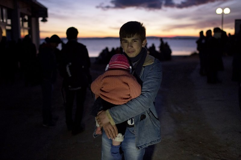 來到希臘的年輕阿富汗難民(美聯社)