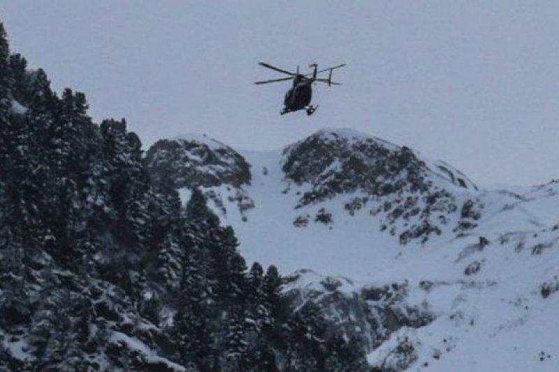 五名外籍兵團士兵在法國阿爾卑斯山進行訓練時遇雪崩死亡,另有六名士兵受傷。(BBC中文網)