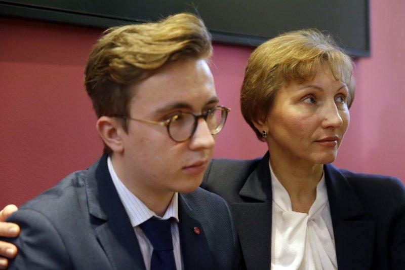 利特維年科的遺孀瑪莉娜(Marina Litvinenko)與兒子安納托里(Anatoly)(美聯社)