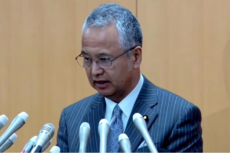 日本內閣府特命擔當大臣甘利明28日承認收錢,並宣布引咎辭職。(翻攝影片)