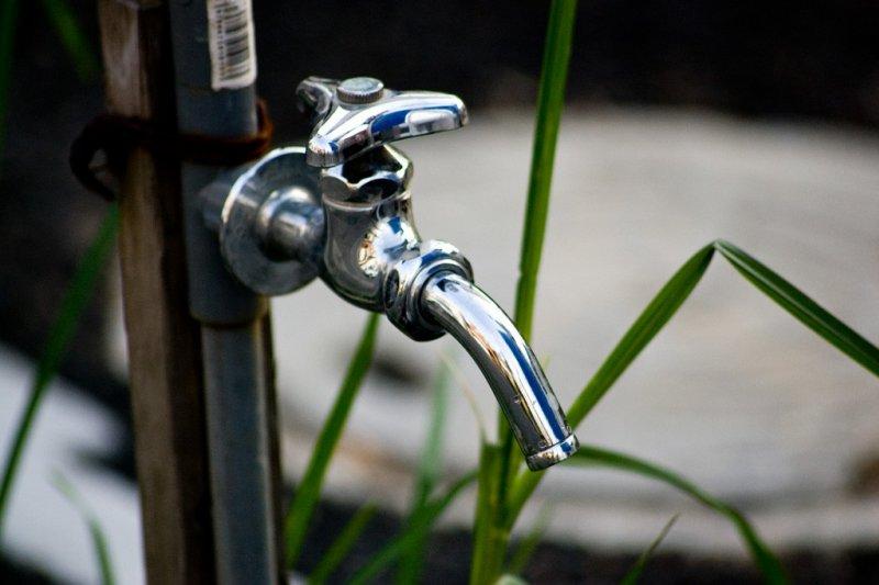 台灣自來水公司水價預計要調漲,經濟部長鄧振中24日表示,水價調漲才合理,但新版水價計算公式,要待520之後才會決定。(圖/轉載自MATCHA)