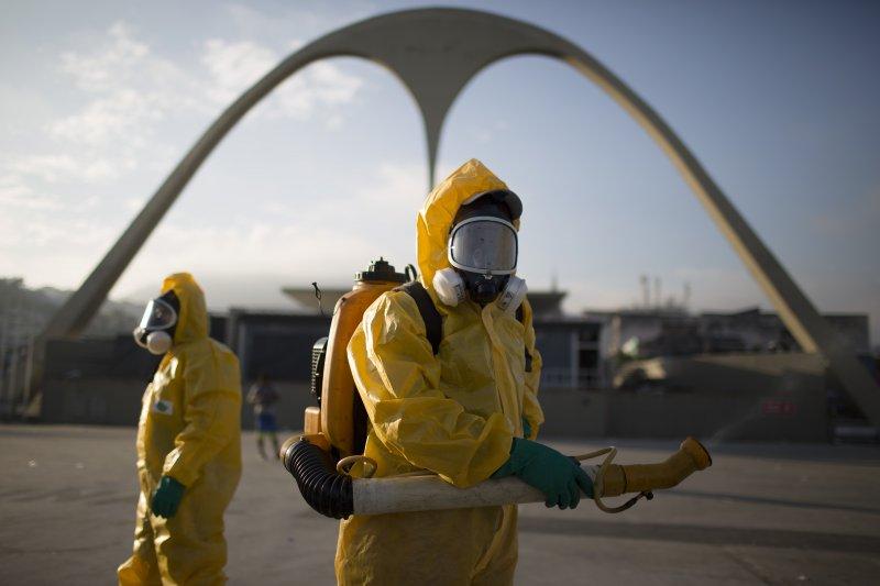 拉丁美洲公衛人員全面動員,消滅傳播茲卡病毒的埃及斑蚊。(美聯社)