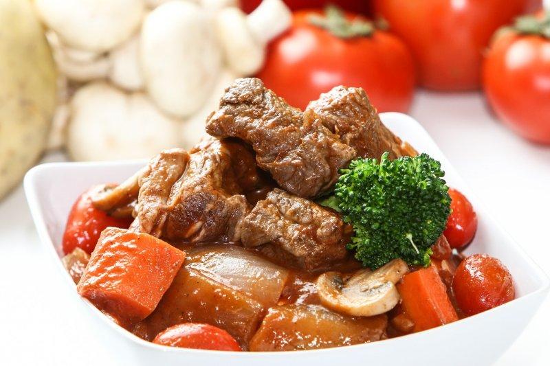 健健康康過好年,年菜不只大魚大肉,別忘多補充維生素A和C(圖/uniquedesign52@pixaby)
