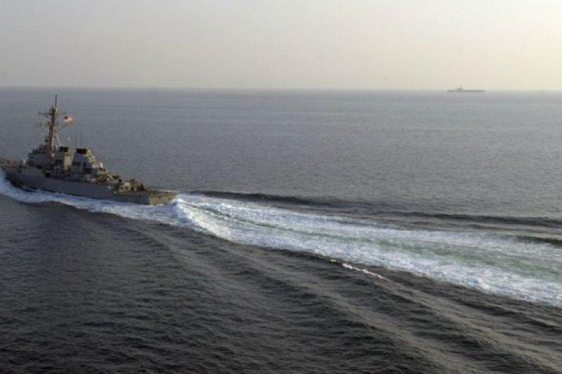 中國外交部和國防部分別譴責「美軍艦進入中國領海」。(BBC中文網)
