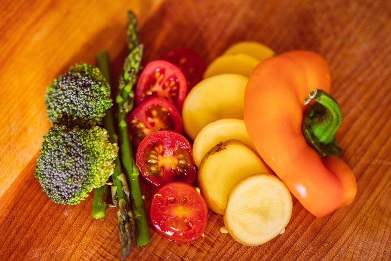 別看不起這些唾手可得的蔬果,他們可是防癌、抗癌的小幫手!(圖/Sonny Abesamis@flickr)