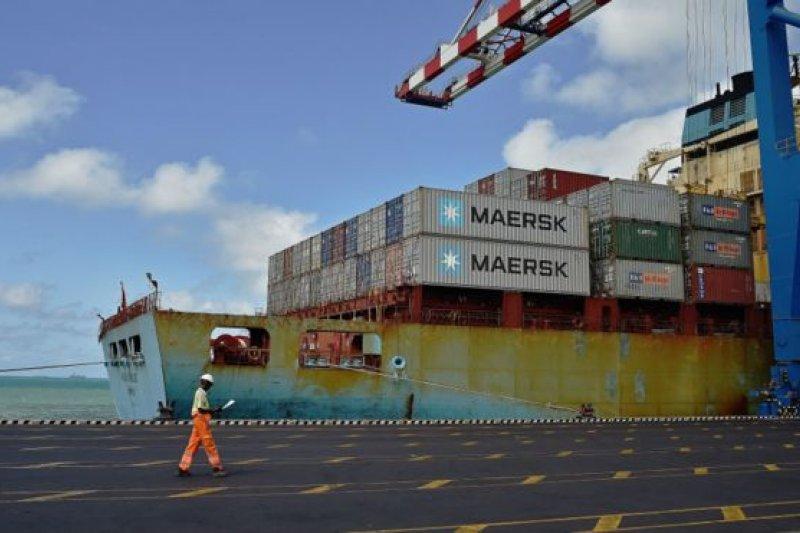 中國外交部去年底曾透露,中國正在與吉布地協商在當地建設「保障設施」。圖為吉布地多哈雷港。(BBC中文網)