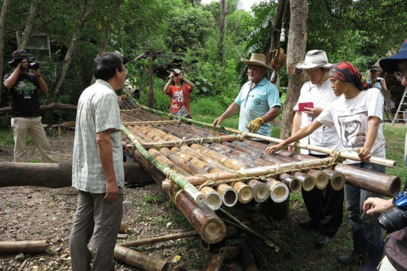 日本國立科學博物館,調查古渡海路線。到台灣考察阿美族的竹筏製作技術。