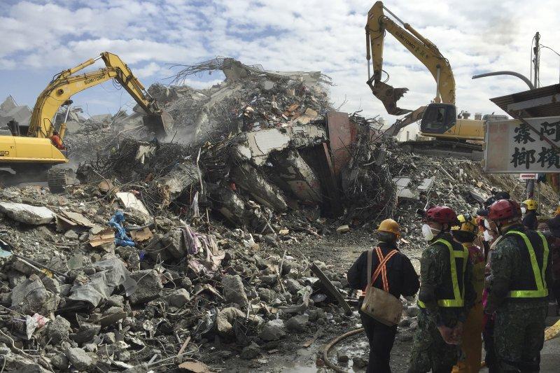 台南市維冠金龍大樓2016年2月因強震倒塌,造成115人死亡。(資料照,美聯社)