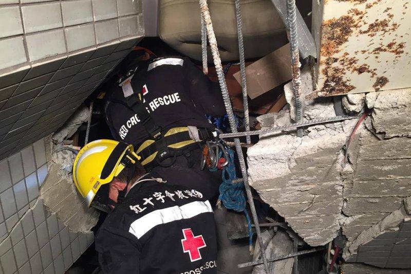 紅十字會於台南強震後救災情況。(資料畫面/取自中華民國紅十字會粉絲專業)