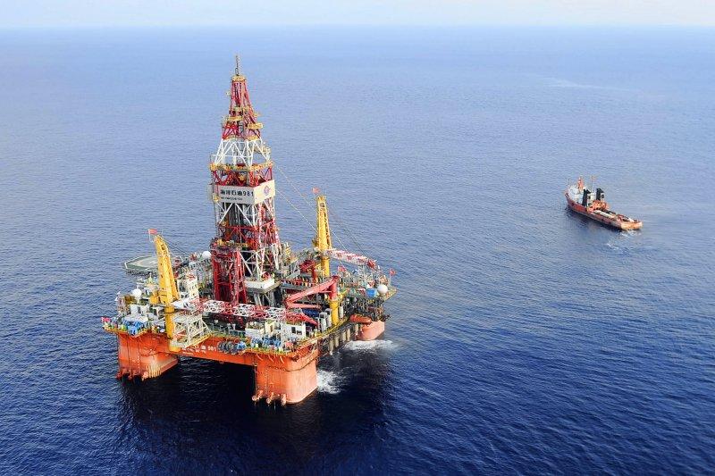 海洋石油981是深水油氣田鑽井平台(美聯社)