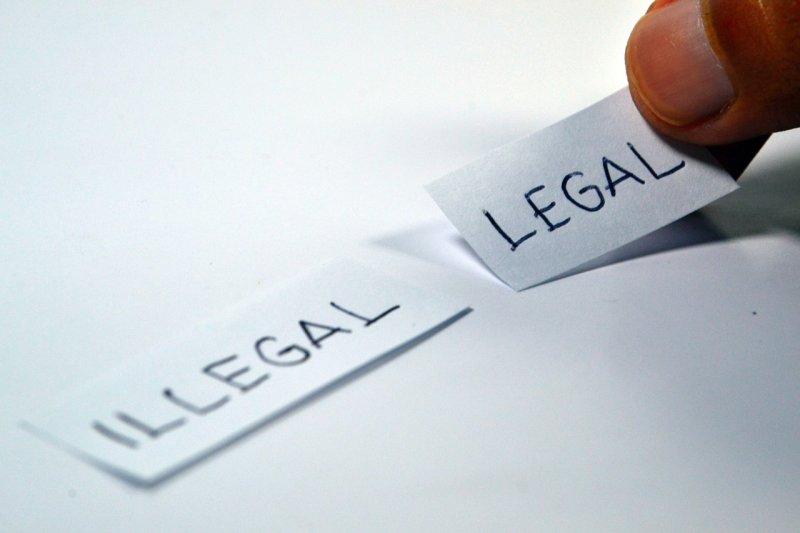 爭取正義走法律訴訟,過程所耗費的心力、時間成本,值得嗎?(圖/Ramdlon@pixaby)