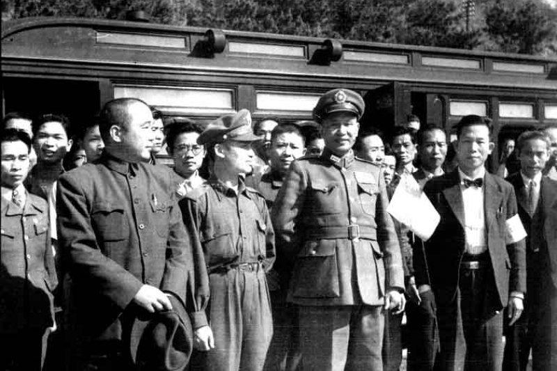 屠殺人民的獨裁者蔣介石依舊受到特定政黨的保護與膜拜(圖/wikimedia)