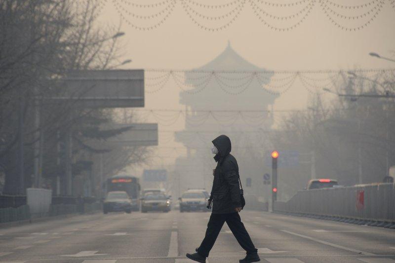 縱然北京空氣品質顯著改善,近期房租快速上漲,依然讓在此生活的外地打工仔大呼吃不消。(資料照,圖片來源:新華社)