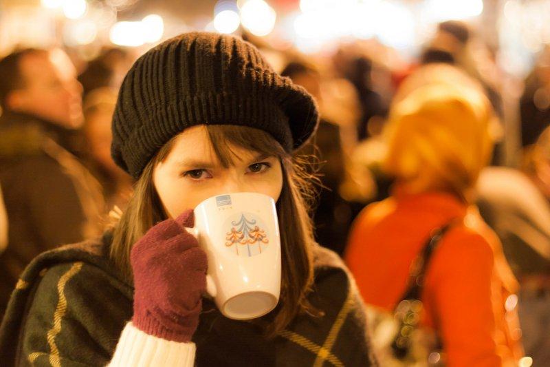 天冷了,就想來杯暖呼呼的飲品。(圖/Mike Kniec@flickr)