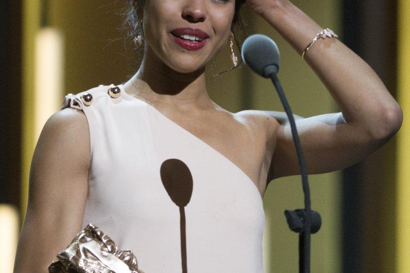 《法蒂瑪》女主角齊塔昂羅(Zita Hanrot)獲最佳女新人獎。(美聯社)